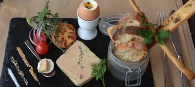 Fleurs de Thym aux Sables d'Olonne : Oeuf à la coque, petites mouillettes et terrine de foie gras